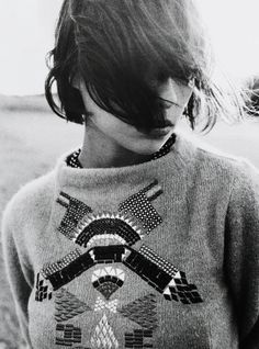 love the details on this sweater