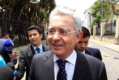 """""""The New York Times"""" pide a Uribe que deje de bloquear la paz en Colombia"""