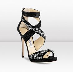 Jimmy Choo. Pleated Suede and Swarovsky Crystal Embroidered Sandal. Nada más y nada menos que $ 2195.00