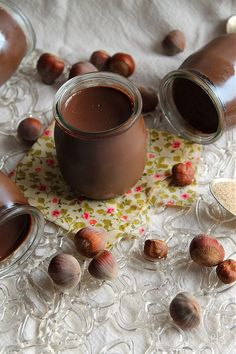 Small pots of chocolate-hazelnut cream {vegan} Desserts Végétaliens, Chocolate Desserts, Dessert Recipes, Vegan Thermomix, Patisserie Vegan, Vegetarian Recipes, Cooking Recipes, Creme Dessert, Love Eat