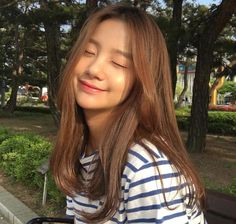 Pin by 仙女 小 on 美容与美发 in 2020 Pretty Korean Girls, Cute Korean Girl, Asian Girl, Ulzzang Hair, Ulzzang Korean Girl, Ideal Girl, Korean Girl Photo, Uzzlang Girl, Cute Girl Face