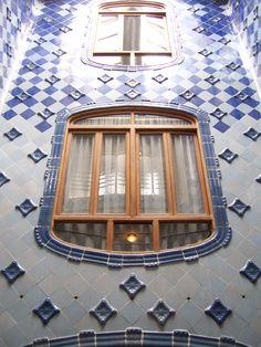 Casa Batllo inner window and tiles