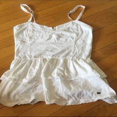 Aero tank Hints of lace sweetheart neckline very light and airy Aeropostale Tops Tank Tops