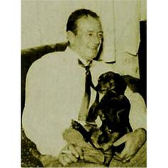 John Wayne was an avid fan and owner of Dachshunds! His dog Blackie, saved his family from a fire in 1958