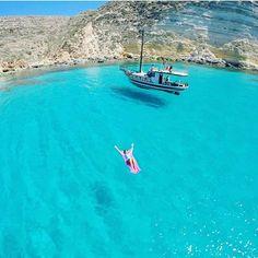 Lampedusa, Sicilia - Italy Credits ✨@Loucosporviagem✨