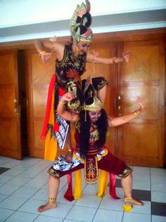 Gatotkaca vs Sakipu traditional dance from Indonesia