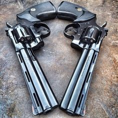 Matching Colt Python I love this revolver. Colt Python, 357 Magnum, Weapons Guns, Guns And Ammo, Hand Cannon, Fire Powers, Cool Guns, Firearms, Shotguns