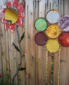 Paint can lid flowers