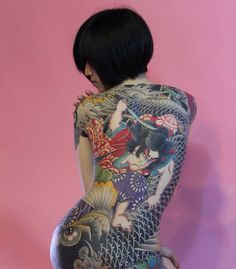 Irezumi by Taiwanese artist Diau An (雕安), Taiwan Tattoo Studio ~ Diāo ān (彫安刺青, b. 1965, Kaohsiung) uses the traditional hand-poked tattoo. His art and tattoo work are greatly influenced by Japanese tattoo culture. He enjoys doing sketch, portrait and oil painting, and personally loves researching and testing new tattoo machines.