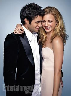 "Emily VanCamp and boyfriend, Josh Bowman are still dating and extremely happy. The ""Revenge"" season 3 stars ate out at a California restaurant recently after the Floyd Mayweather vs. Emily Vancamp, Beaux Couples, Tv Couples, Celebrity Couples, Famous Couples, Serie Revenge, Revenge Tv Show, Revenge Cast, Josh Bowman"