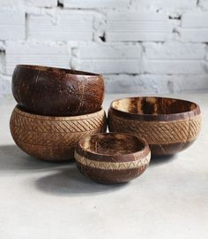 Perfect Diy Coconut Shell Ideas For Everyonen That Simple To Try 14 Decorative Items, Decorative Bowls, Coconut Decoration, Toothpaste Brands, Coconut Shell Crafts, Shell Decorations, Dining Ware, Coconut Bowl, Bowl Designs