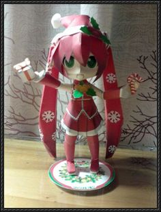 This figure papercraft is a christmas Hatsune Miku, created by Amelie and SNN. There is another Christmas Version Hatsune Miku Papercraft on the site, and
