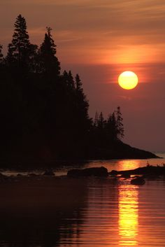 Isle Royale National Park is a National Park in Houghton. Plan your road trip to Isle Royale National Park in MI with Roadtrippers. Beautiful Sunset, Beautiful World, Beautiful Places, Beautiful Scenery, Beautiful Pictures, Pictures Of Michigan, Landscape Photography, Nature Photography, Amazing Nature