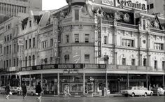 Corner of Adderley and Strand streets - Cape Town photos / South Africa Cape Town, Old Houses, Old Photos, South Africa, Corner, Street View, History, Building, Places