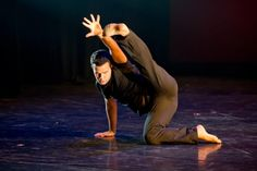 Austin Giangeruso graduated from Princeton University Class of 2014 with a B.A. in Economics.  While at Princeton, he was an active member of diSiac Dance Company, one of the student-run dance groups on campus.  He choreographed over ten pieces for the company starting when he was a freshman and also served as Artistic Director for two semesters. http://www.theudancer.com/choreographer-spotlight-austin-giangeruso