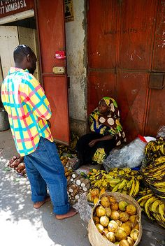 Market in Mombasa, Kenya Lamu Kenya, Mombasa Kenya, Kenya Travel, East Africa, Tanzania, Pallets, Harvest, Safari, Parties