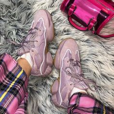 Fashion Yeezy Boost 350 380 500 700 running shoes. Sneakers 2020 autumn and winter trends. Yeezy Sneakers, Yeezy Shoes, Shoes Sneakers, Sneakers Adidas, Black Sneakers, Adidas Men, Sneakers Fashion Outfits, Fashion Shoes, Ootd Fashion