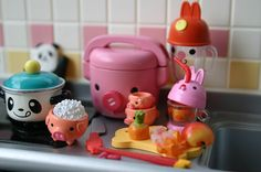 Pink Piggies and Bunnies helping out in the kitchen
