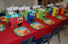 This lady had some really cute ideas for a Sesame Street birthday party!
