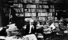 Mircea Eliade Humanistic Psychology, Study Room Design, King Art, Edward Hopper, Historian, Hinduism, Archaeology, Bengal, Vintage Photos