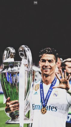 Champions for the thirteenth time, and for the third time in a row❤️HALA MADRID . - Champions for the thirteenth time, and for the third time in a row❤️HALA MADRID❤️ - Cristiano Ronaldo Manchester United, Cristiano Ronaldo Portugal, Cristiano Ronaldo Juventus, Neymar, Real Madrid Football, Lionel Messi, Real Madrid Gareth Bale, Cristino Ronaldo, Male Fitness