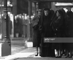 Queen Elizabeth The Queen Mother (1900 - 2002) (right) in mourning with Queen Elizabeth II and Queen Mary (centre) at the funeral of King George VI.    (Photo by Ron Case/Getty Images)
