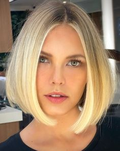Click the link to see our full list of best blunt bob haircuts and hairstyles! Photo credit: Instagram #bluntbobhair #bluntbob