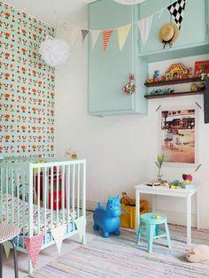 Kinderzimmer Wandgestaltung Lustige Akzentwand Teppich