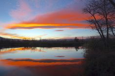 A possible lee-wave lenticular cloud at sunset, shot from Sawhill Ponds west of Boulder, Colorado, Nov. 9, 2013. (Photo: © Tom Yulsman)