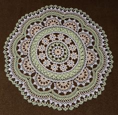 Tatting and not a lot else! Crochet Round, Crochet Home, Irish Crochet, Crochet Crafts, Yarn Crafts, Sewing Crafts, Shuttle Tatting Patterns, Tatting Patterns Free, Crochet Rug Patterns