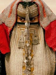 Rashaida – The clothing of the nomads of Eritrea by Sarah Corbett | Ethnic Jewels Magazine