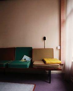 frank visser = studio ijm / at home at hartenstraat Decoration Inspiration, Interior Inspiration, Design Inspiration, Interior Architecture, Interior And Exterior, Interior Design, Autumn Interior, Interior Colors, Salon Mid-century