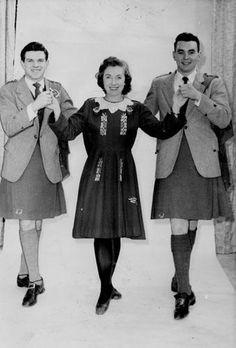 irish dancer kilt   dance.net - Trends in 20th Century Irish Dance Costumes (7303624 ...