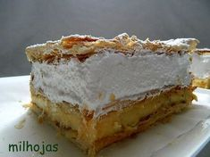 Milhojas de crema y merengue italiano Mexican Food Recipes, My Recipes, Sweet Recipes, Dessert Recipes, Favorite Recipes, Desserts, Salvadorian Food, Pan Dulce, Best Dishes