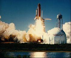 space shuttle challenger   space shuttle challenger