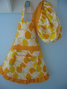 Child/Toddler Apron with matching chef's hat! So cute!