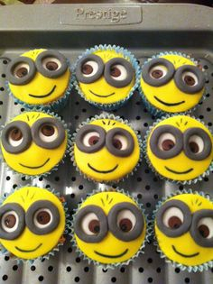 Despicable Me Minion Birthday Cupcakes