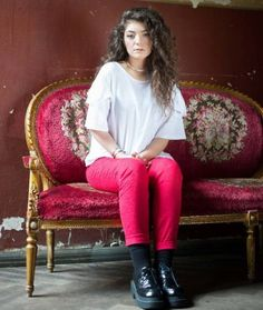 Lorde. Amazing voice, amazing style, amazing girl. #fashion #music #lorde #pink #creeper #royals #team #beautiful #voice