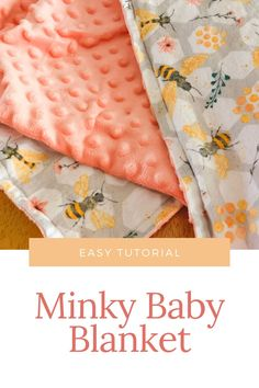 Baby Blanket Tutorial, How To Sew Baby Blanket, Easy Baby Blanket, Flannel Baby Blankets, Knitted Baby Blankets, Minky Blanket, Quilted Baby Blanket, Diy Baby Gifts, Baby Crafts