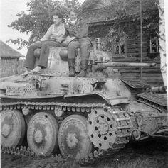 Panzer-Befehlswagen 38 (t) Ausf. C (Sd.Kfz. 268)   Panzer DB   Flickr