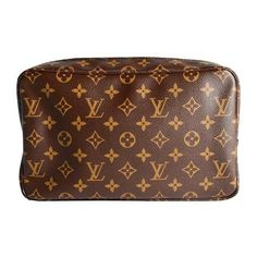 Louis Vuitton Monogram Canvas Toiletry 28 Cosmetic Bag ($1,645) ❤ liked on Polyvore featuring beauty products, beauty accessories, bags & cases, bags, purses, accessories, louis vuitton, beauty, fillers and cosmetic bags