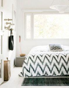 Beautiful bedroom set! Soooooo to die for!