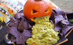 recettes Halloween sans cuisson- guacamole et chips en mais bleu
