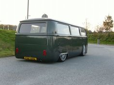 Smooth VW bay window bus love.