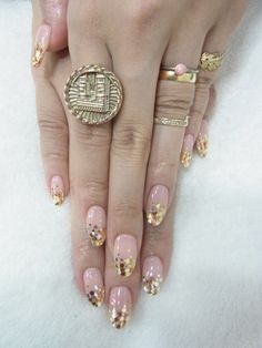 gold tip pink nails