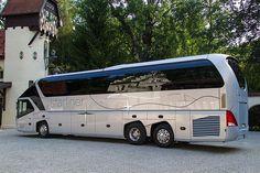 El Neoplan Starliner de Lionel Messi ========================= Bonjour, pour les bijoux Gaby Féerie => http://www.alittlemarket.com/boutique/gaby_feerie-132444.html