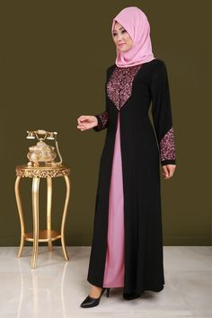pink & black hijab look Islamic Fashion, Muslim Fashion, Modest Fashion, Muslim Dress, Hijab Dress, Modest Dresses, Cute Dresses, Dress Pesta, Modele Hijab