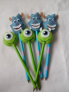 Cute Crafts, Felt Crafts, Diy And Crafts, Crafts For Kids, Arts And Crafts, Pencil Topper Crafts, Pen Toppers, Monster Inc Party, Felt Fabric