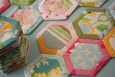 Quilt as you go hexagon quilt with link for tutorial and template.