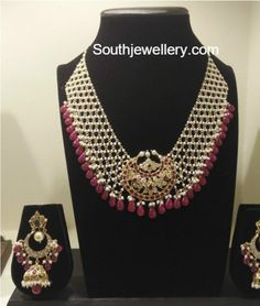 Layered Pearls Necklace and Earrings Set interlinked jaali necklace